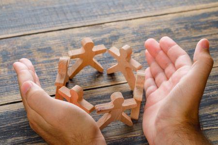 Comment trouver une communauté familiale à Chypre